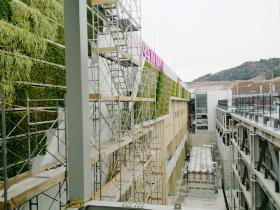 大規模な商業施設・公共施設の緑化工事もお任せください